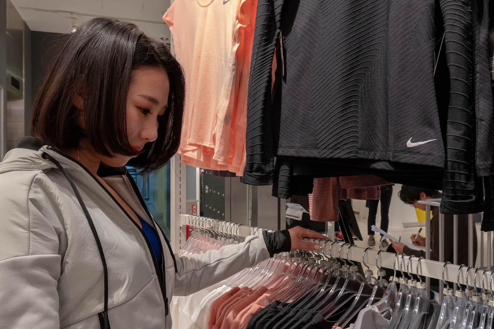 mai&hanaがスーパースポーツゼビオ渋谷公園通り店来店時の画像
