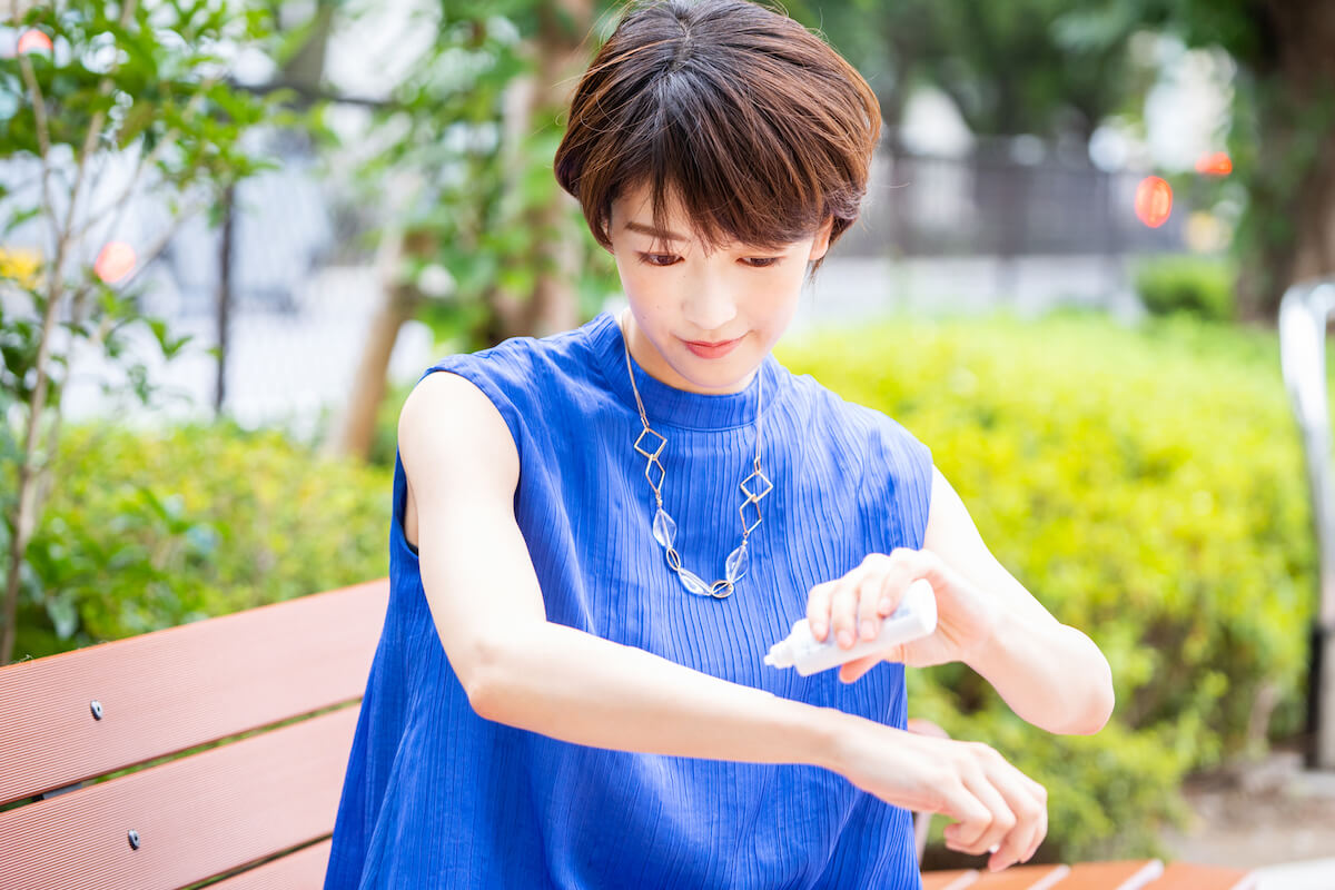 ずっとカットUVを着用した眞嶋優さんの写真