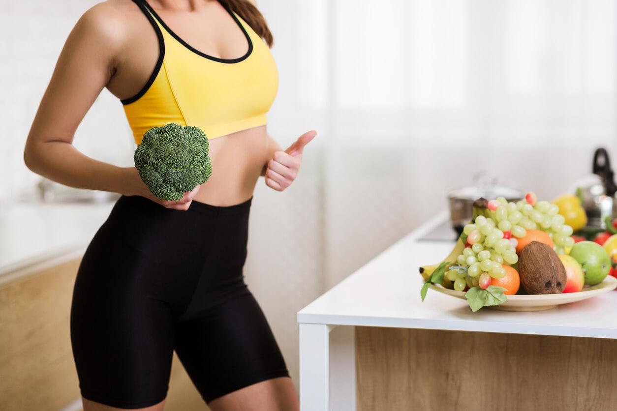 筋トレと食事のイメージ画像