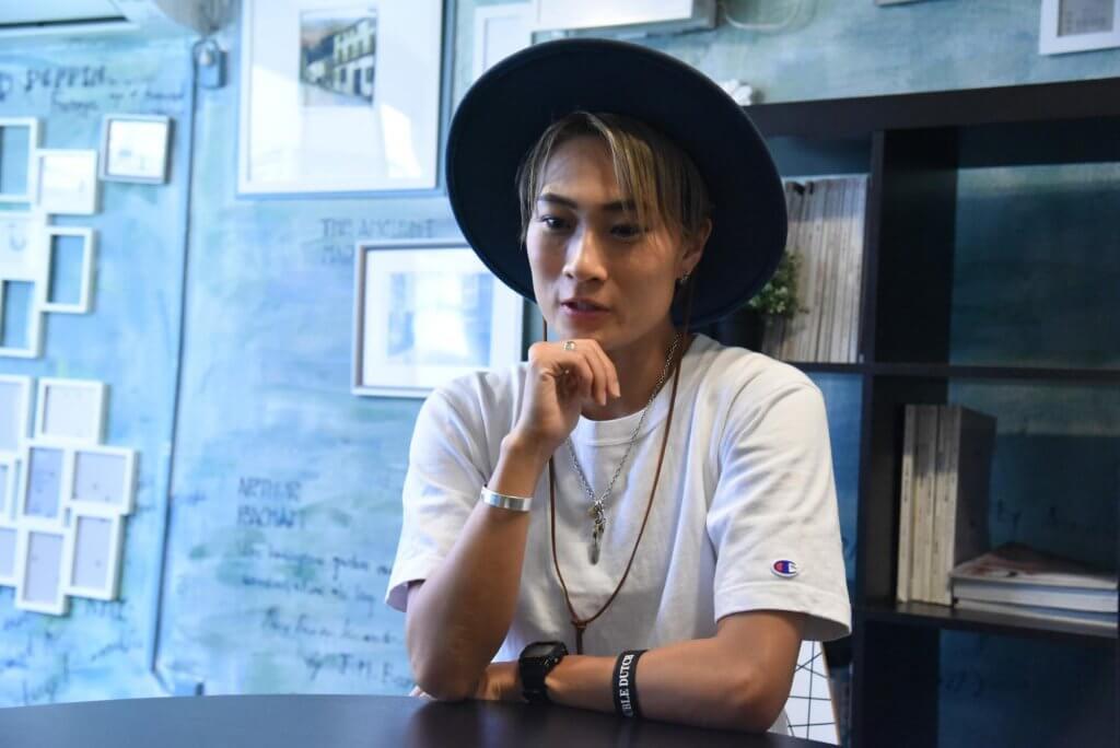 佐々木唯さんとのインタビュー中の写真