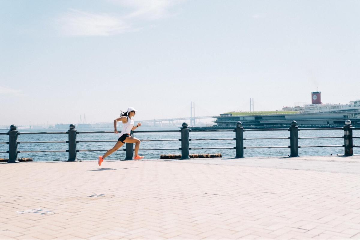 佐野千晃さんが走っている様子の写真
