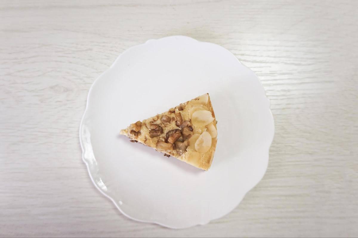 「夢見菓子」の「黒い森のナッツタルト」の写真