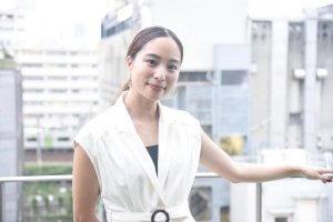 福内櫻子さんのインタビュー中の写真