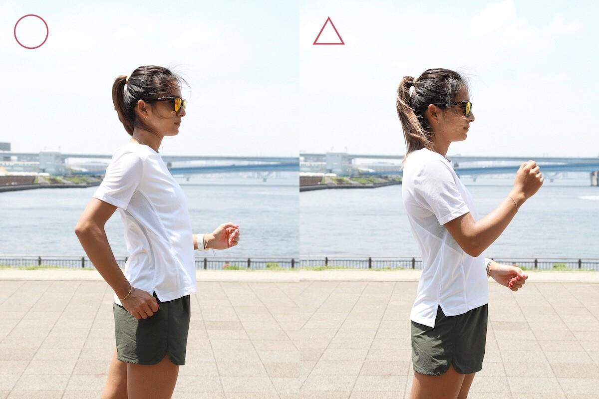 佐野千晃さんが腕の振り方を説明する写真