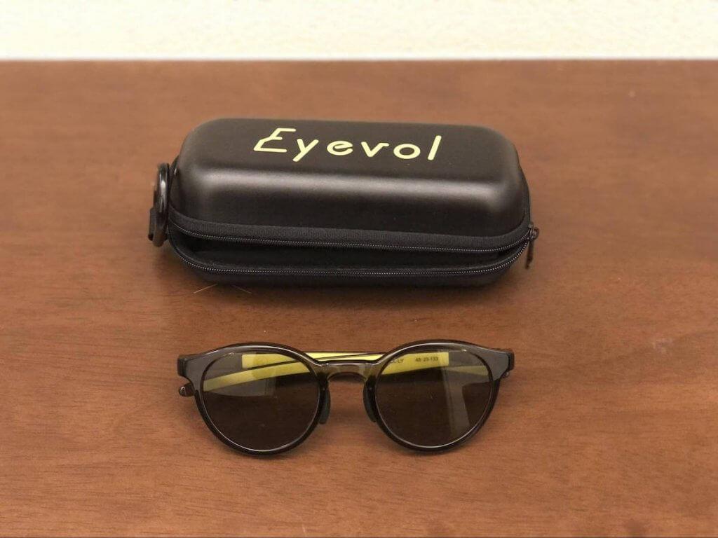 Eyevolのサングラスの写真
